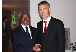 Jens Stoltenberg og tidl. generalsekretær i FN, Kofi Annan