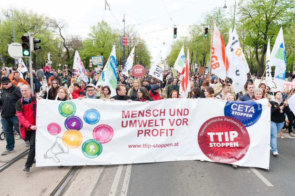 12 000 demonstrerte mot TTIP, CETA og TISA i Wien.