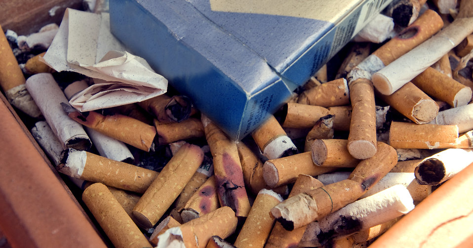 illustrasjon med røykpakke